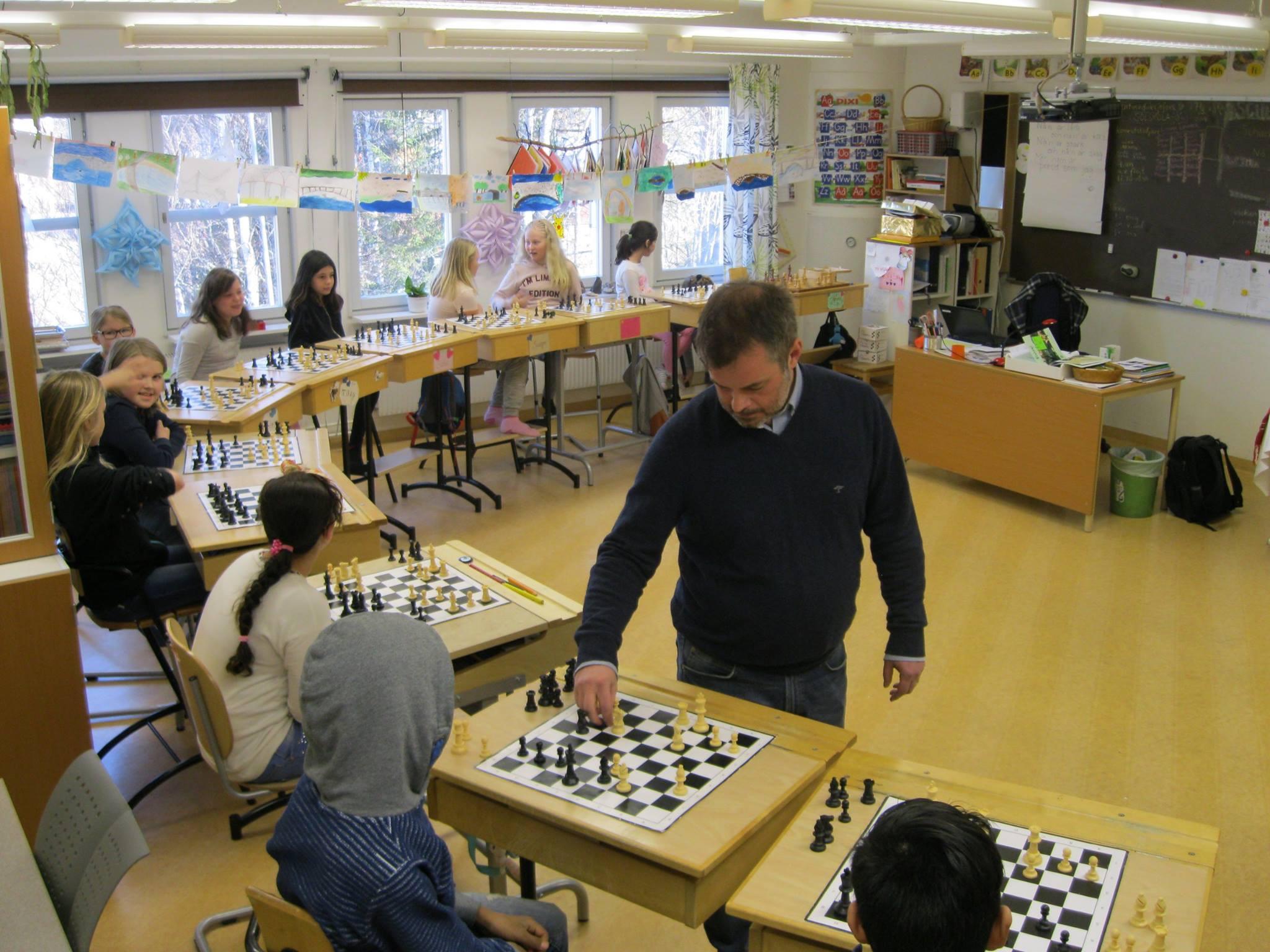 Simultanschack med Mats